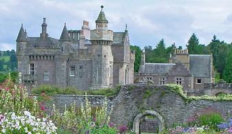 Экскурсия в замки Тракуэйр, Абботсфорд и часовню Рослин